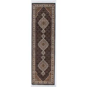 Tabriz Indi, 82 x 300 cm.