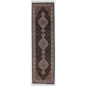 Tabriz Indi , 82 x 298 cm.