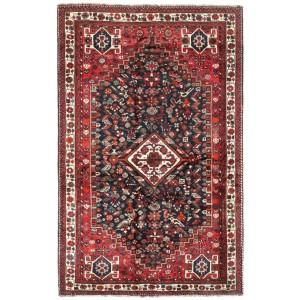 Shiraz, 168 x 263 cm.