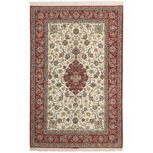 Isfahan, 160 x 242 cm.